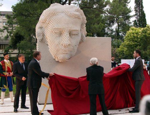 Odkrit spomenik Francetu Presernu v Podgorici